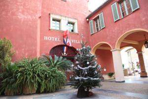 entrée-mairie-Noël