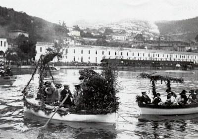 Combat Naval Fleuri carte postale ancienne