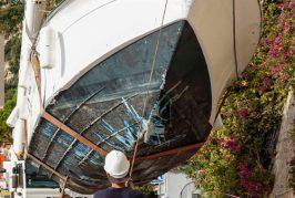 Evacuation de l'Apollonia 2, échoué sur la plage des Marinières suite au passage de la tempête ALEX